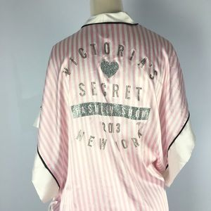 VS Victoria's Secret striped fashion show robe OS